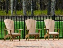 3 деревянных стуль загородкой Стоковые Фото