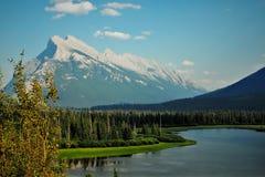 Держатель Rundle, Альберта, Канада стоковая фотография rf