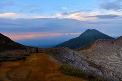 Держатель Ijen, Индонезия стоковые фото