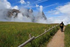 Держатель Sciliar между облаками Стоковая Фотография