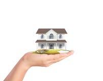 Держать домашнюю модель, концепция займа Стоковое Фото