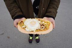 Держать японские закуски Стоковая Фотография RF
