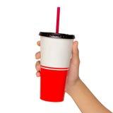 Держащ бумажный стаканчик с трубкой изолированный Стоковые Фото