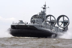 Десантный корабль на воздушной подушке стоковые изображения rf