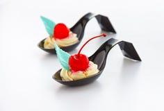 десерт вишен cream стоковое изображение rf