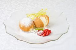 Десерт мороженого на печенье Стоковое Изображение RF