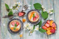 Десерт с ягодами Стоковые Фото