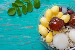 Десерт трав на деревянной предпосылке стоковые фото