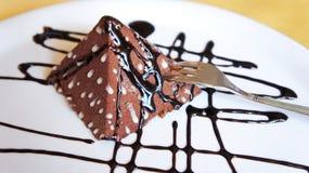 Десерт - форма десерта шоколада пирамидки Стоковые Изображения RF