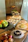 десерт шведского стола угловойой стоковые изображения rf