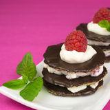 Десерт шоколада с взбитой сливк Стоковая Фотография
