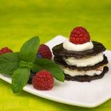 Десерт шоколада с взбитой сливк Стоковое Изображение RF