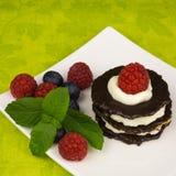 Десерт шоколада с ягодами Стоковые Фото