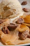 десерт crepe карамельки бананов Стоковые Изображения RF