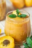 Десерт smoothie абрикоса Стоковые Изображения