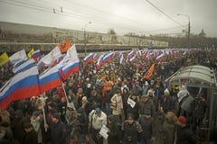 Десятки тысяч маршируют в памяти о убитом Борисе Nemtsov 1-ого марта 2015 Стоковое Изображение RF