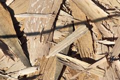 Детализированный близко вверх по взгляду на различных деревянных поверхностях показывая журналы планок и деревянные стены в высок стоковые фото