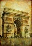 детализирует парижское