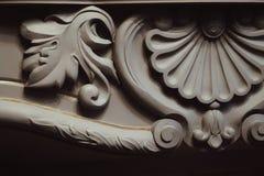 детализируйте конец-вверх цвета fretwork камина серой текстурированный роскошью стоковое изображение