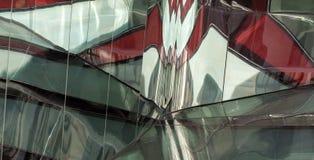Детализируйте показывать отражение на заново построенном дворе Sackler на музее Виктории и Альберта, Лондоне Великобритании стоковое изображение