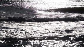 Детали волн в Чёрном море, на восходе солнца видеоматериал