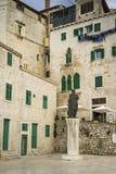 Детали домов и зданий в старом городе Sibenik в Хорватии Стоковые Фотографии RF