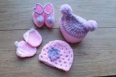 Детали недоношенного ребенка для комфорта и тепла Шляпа и добычи стоковые фотографии rf