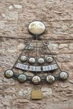 Детали традиционного итальянского средневекового исторического центра красивого маленького городка Spello Стоковые Изображения