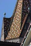 детали фасадов и крыши исторического schwaebisch города gmuen стоковое изображение rf