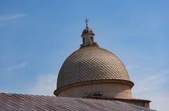 Детали экстерьера di Santa Maria Assunta Cattedrale Metropolitana Primaziale собора Пизы; стоковое изображение rf