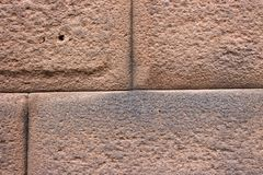 Деталь блока стены Ashlar Inca точного каменного соединяя, Cusco конца-вверх, Перу стоковое фото rf