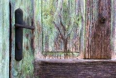 Деталь винтажной ручки двери стоковые фотографии rf