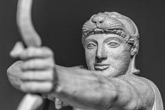 Деталь голов и плечи старой скульптуры Стоковые Фотографии RF
