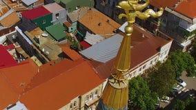 Деталь здания верхняя над курортным городом на побережье Чёрного моря, недвижимости в Georgia сток-видео