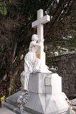 Деталь оплакивая скульптуры, кладбище в Boninovo, Дубровнике Стоковые Изображения