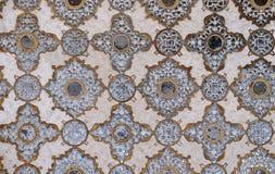 Деталь отраженного потолка в дворце зеркала на янтарном форте в Джайпуре Стоковая Фотография RF