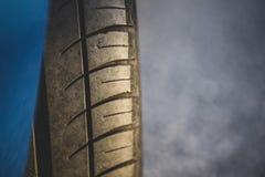 Деталь покрышки подержанного автомобиля Стоковая Фотография