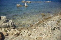 Деталь скалистого пляжа стоковые фотографии rf