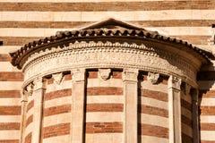 Деталь собора Вероны - XII столетие Италия стоковые фото