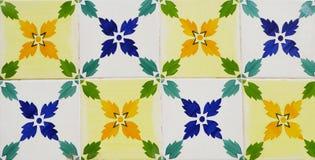 Деталь традиционных плиток от фасада старого дома декоративные плитки Valencian традиционные плитки флористический орнамент Стоковая Фотография
