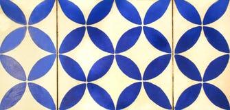 Деталь традиционных плиток от фасада старого дома декоративные плитки Valencian традиционные плитки флористический орнамент Стоковое Изображение