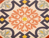 Деталь традиционных плиток от фасада старого дома декоративные плитки Valencian традиционные плитки флористический орнамент Стоковое Фото