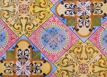 Деталь традиционных плиток от фасада старого дома декоративные плитки Valencian традиционные плитки флористический орнамент Испан Стоковая Фотография