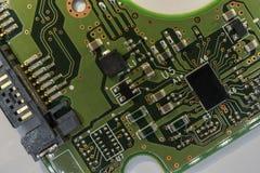 Деталь электрической монтажной платы жёсткого диска компьютера Стоковые Фото