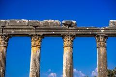 """Деталь Architrave и столбца от смысла """"сильных """"руин Euromos - Euromus, расположенных как раз с дороги Söke-Milas, Mugla, Турции стоковое изображение rf"""