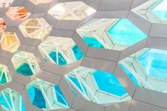 Детализируйте съемку сделанной по образцу стены, архитектурноакустической характеристики, конца-вверх стоковое изображение rf