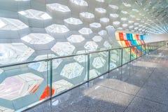 Детализируйте съемку сделанной по образцу стены, архитектурноакустической характеристики, конца-вверх стоковая фотография