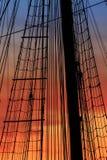Детали от винтажного корабля на заходе солнца Стоковая Фотография