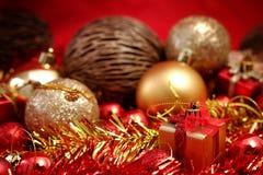 Детали рождества в красном цвете и предпосылке темы золота Стоковая Фотография RF