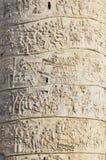 Детали скульптуры на старом римском столбце стоковая фотография rf